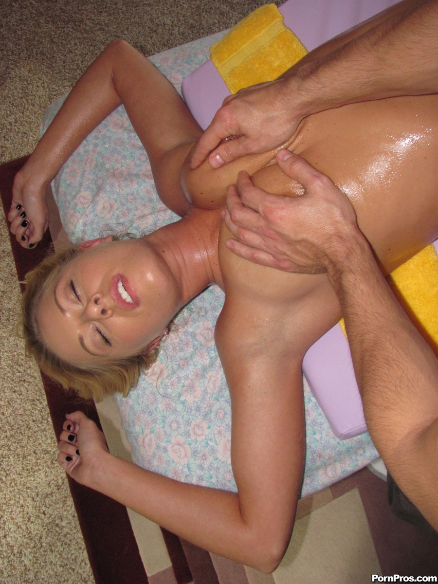 Riley Evans gets a massage then fucks