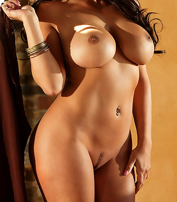 Curvy hottie