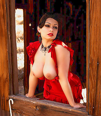 Here are some beautiful pictures of the luscious Aria Giovanni posing in a ...