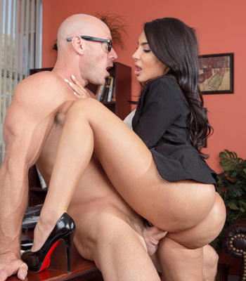 Bigass lela star fucked hard on a desk