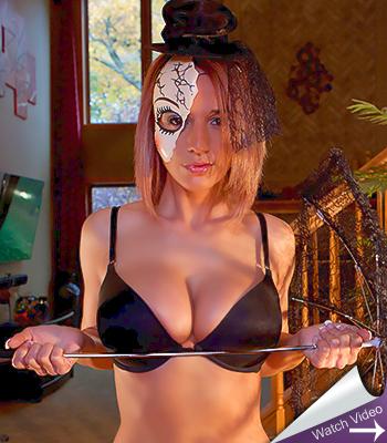 Nikki sims halloween