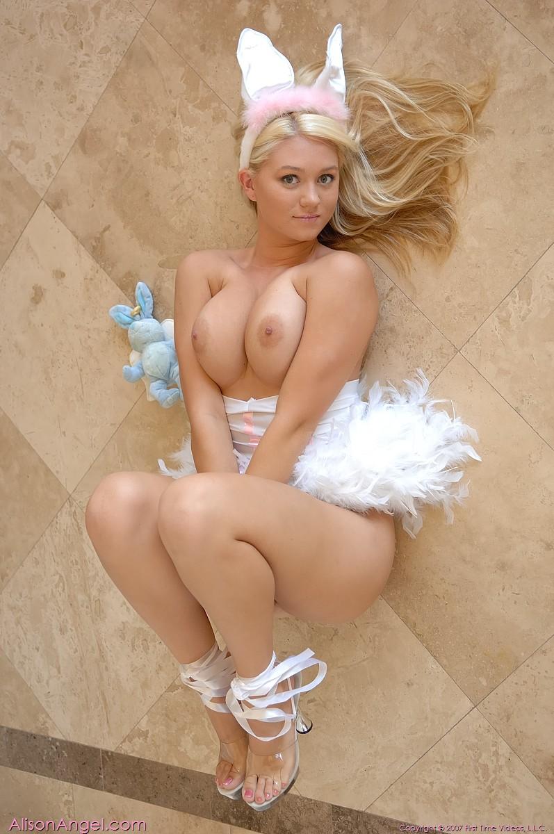nude easter girls