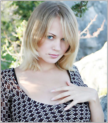 Anna Smart Sexy Pics