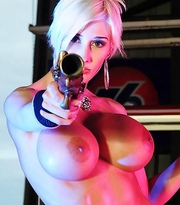 Marie-Claude Big Tits