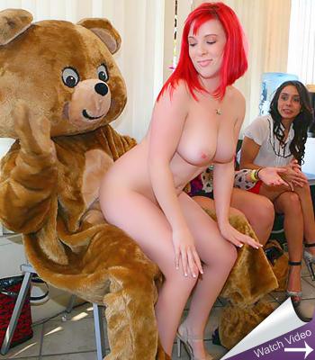 Dancing Bear Cum Cake